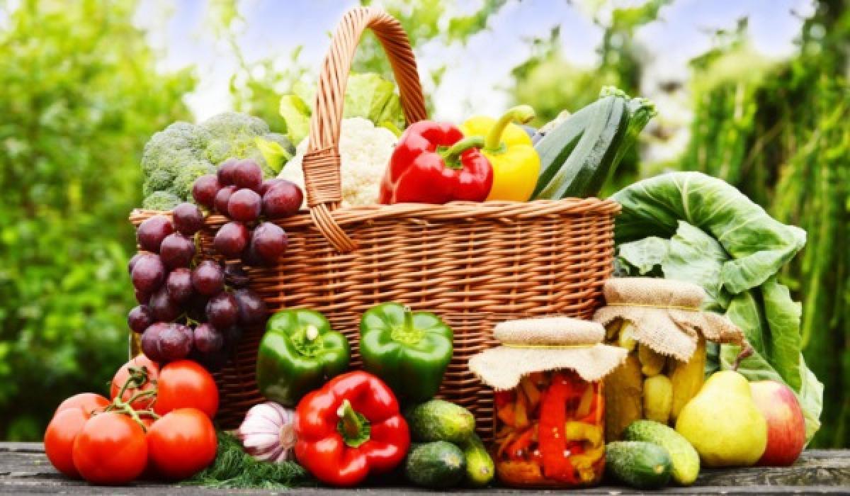 Ăn các loại trái cây giúp bổ sung nhiều vitamin tốt cho mắt
